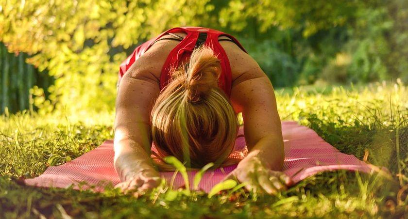 instructora de yoga