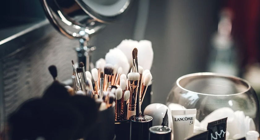 iniciar una tienda de cosméticos